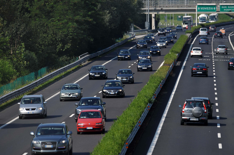09 agosto 2014 Autovie Venete. Situazione traffico sulla A4 nei pressi di Porpetto, cavalcavia di Castello. Copyright Foto Petrussi / Ferraro Simone