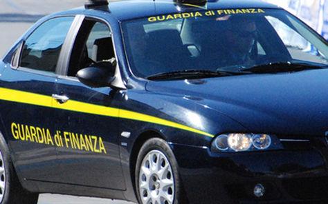 Maxi truffa auto di lusso online, blitz Finanza in 18 regioni