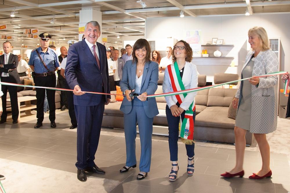 Dipo inaugurato il nuovo punto vendita a zoppola for Dipo san fior
