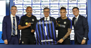 COMO, ITALY - JULY 17:  (L-R) CEO of FC Internazionale Alessandro Antonello; FC Internazionale coach Luciano Spalletti, Giampiero Maioli of Credit Agricole, Lautaro Martinez and Vice President of FC Internazionale Javier Zanetti at the club's training ground Suning Training Center in memory of Angelo Moratti on July 17, 2018 in Como, Italy.  (Photo by Marco Luzzani - Inter/Inter via Getty Images) *** Local Caption *** Alessandro Antonello; Luciano Spalletti; Giampiero Maioli; Lautaro Martinez; Javier Zanetti