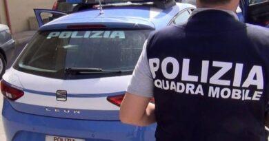 Polizia scopre centrale spaccio. Sequestrati oltre 10 kg di droga